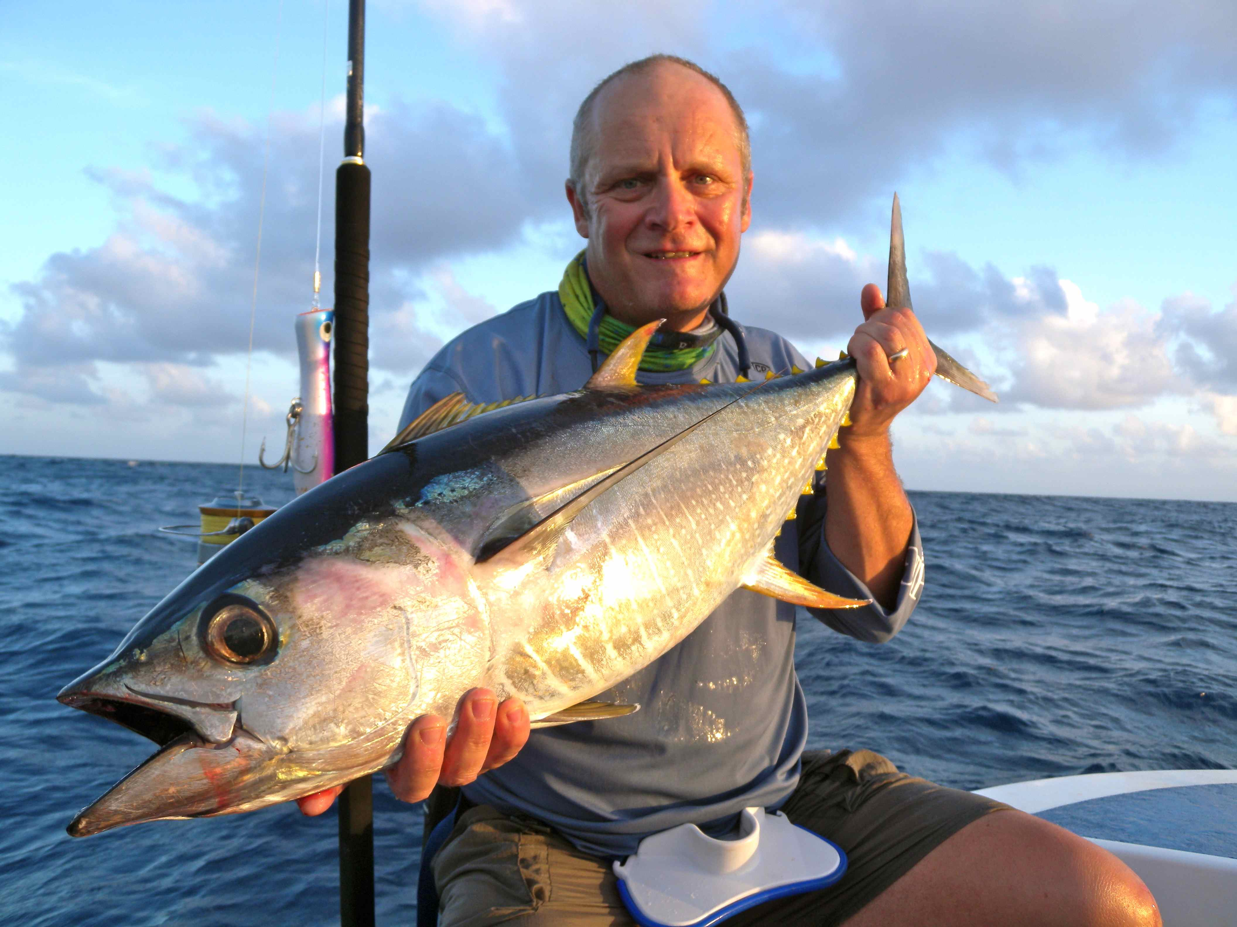 Mozambique dave lewis worldwide fishing for Does tuna fish have scales