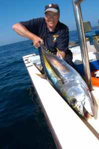 Bill Chisholm with Omani yellowfin