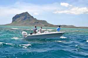 Saltwater fly fishing Mauritius