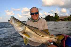Fish of a lifetime, my first day 21lb snook!